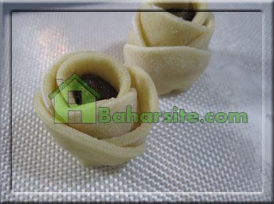 تزیین خرما به شکل گل رز